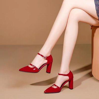 粗跟包头凉鞋女2020夏季新款性感红色漆皮一字扣带高跟鞋百搭单鞋