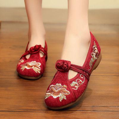 绣花鞋中老年人妈妈民族风老北京布鞋女上班软底复古女士平底单鞋
