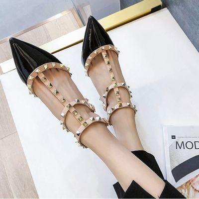 铆钉猫跟凉鞋女2020春夏季尖头漆皮细跟单鞋高跟鞋一字扣包头女鞋