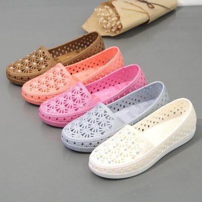 新款夏季镂空水钻洞洞鞋凉鞋女士平底鞋防滑妈妈鞋沙滩鞋护士鞋