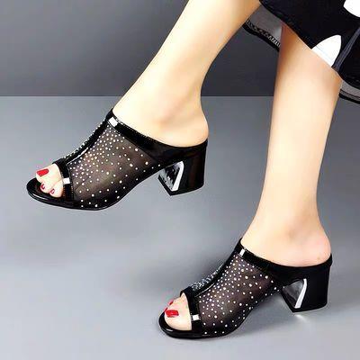 真皮2020春夏新款中跟凉鞋女时尚外穿露趾彩色水钻粗跟漆皮凉拖鞋