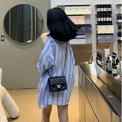 famous 2020夏季新品 时髦小姐姐小心机露肩长袖衬衫上衣外套女