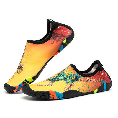 沙滩袜鞋男女潜水浮潜情侣涉水溯溪游泳鞋软鞋防滑防割赤足贴肤鞋