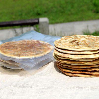 【热卖】现做黄山特产梅干菜扣肉烧饼25g/个梅干菜锅盔碳烤饼网红