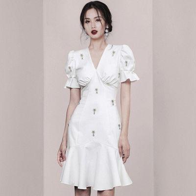 法式复古气质赫本风收腰鱼尾小白裙连衣裙生日派对小礼服平时可穿