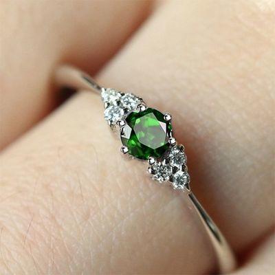 姐姐同款祖母绿宝石戒指 乘风破浪新款戒指女 纯银首饰戒指盒