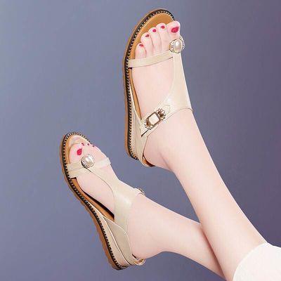凉拖鞋女夏外穿厚跟时尚防滑2020新款女士平底增高百搭仙女人字拖
