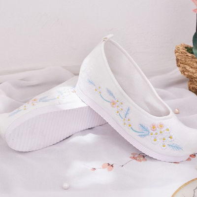 清仓甩卖汉服鞋子女古风复古老北京布鞋内增高古装搭配鞋绣花鞋女