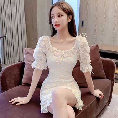 小心机花朵刺绣连衣裙女夏2020新款收腰显瘦气质短袖性感蕾丝短裙