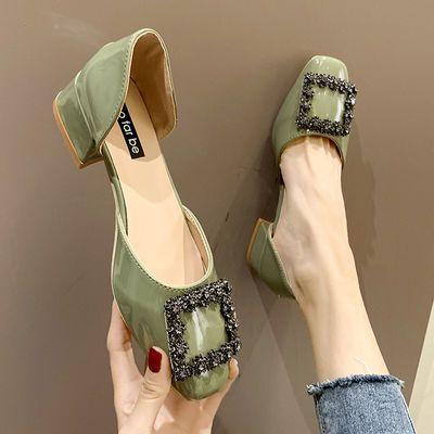 韩版水钻扣方头中跟凉鞋女夏新款百搭单鞋网红粗跟漆皮中空工作鞋
