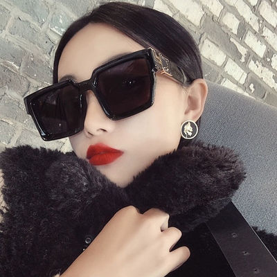 2020新款时尚网红同款黑超太阳镜女ins方形白色墨镜男宽边潮复古