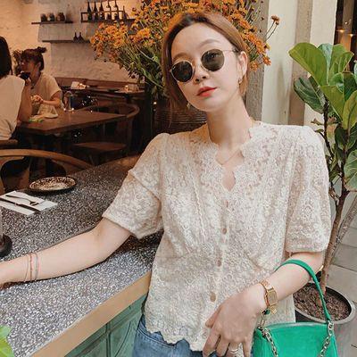 20875/夏季新款花边蕾丝上衣女短袖 通勤气质小衫法式V领开衫