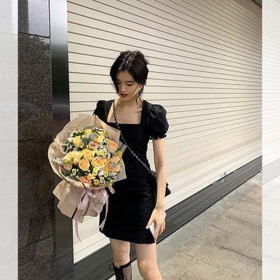 famous 2020夏季新品夏日复古法式修身显瘦大方领赫本小黑裙 女