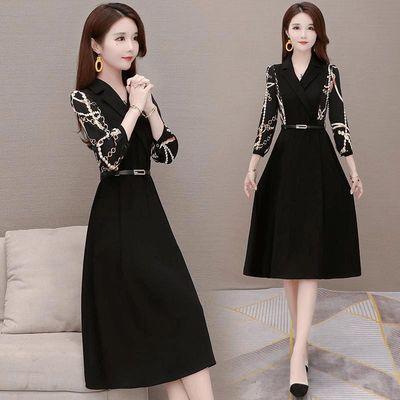 黑色收腰连衣裙秋装2020年新款女西装领七分收腰显瘦女神范裙子