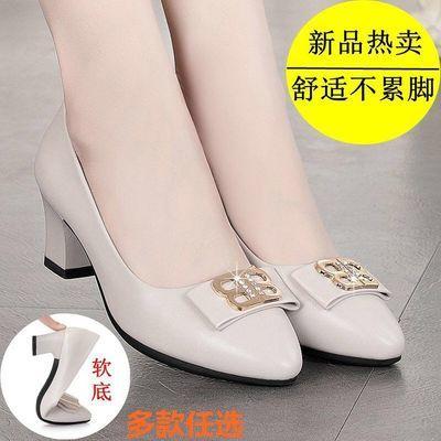 妈妈鞋2020春秋季新款软底女单鞋中年女士皮鞋中跟粗跟红色单皮鞋