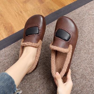 中年妈妈棉鞋女冬加绒豆豆鞋外穿一脚蹬复古真皮女鞋平底舒适软底