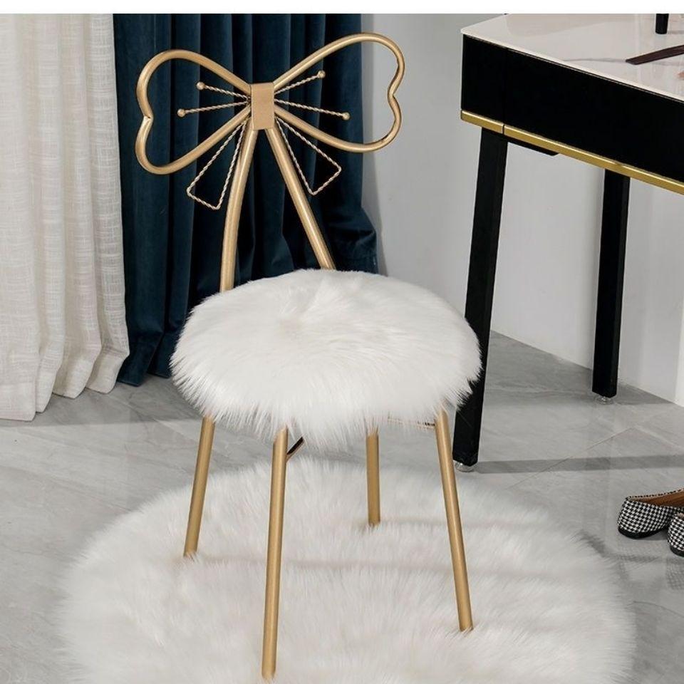 圆形毛绒坐垫梳妆台化妆椅子毛毛垫可爱少女蝴蝶椅子垫白色毛毛垫