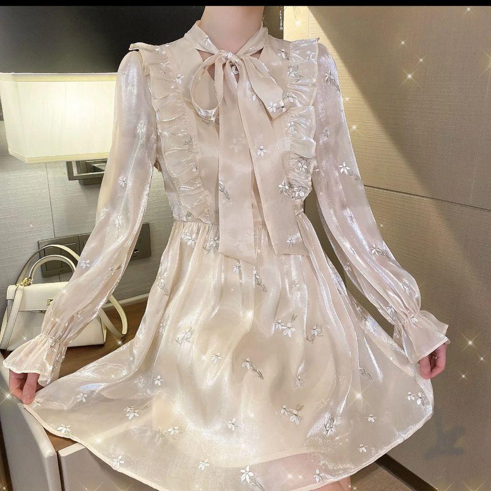 新款連衣裙春夏季新款氣質中長款裙子顯廋很仙系帶巴黎花都系帶連衣裙【3月25日發完】