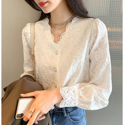 18692/白色蕾丝衫女春装2021年新款法式轻熟V领洋气小衫长袖内搭上衣潮