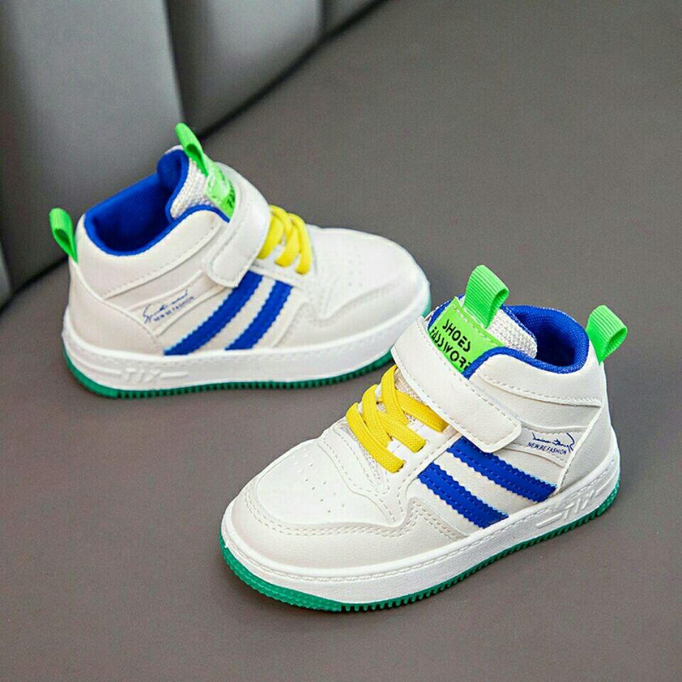儿童男女新款小白鞋百搭休闲鞋