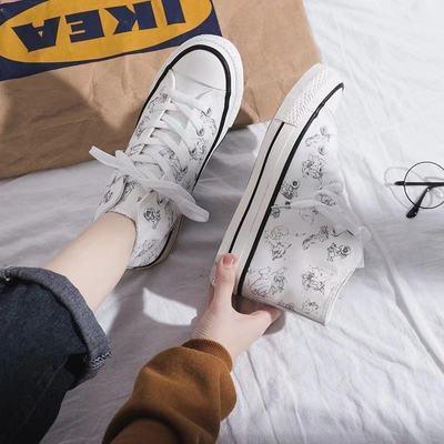 2021春新款港风学生百搭小白鞋女涂鸦动漫高帮潮鞋ulzzang板鞋子