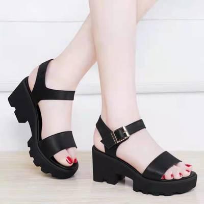35272/优质软皮凉鞋女妈妈中跟粗跟舒适软底2021夏季新款黑色高跟松糕鞋