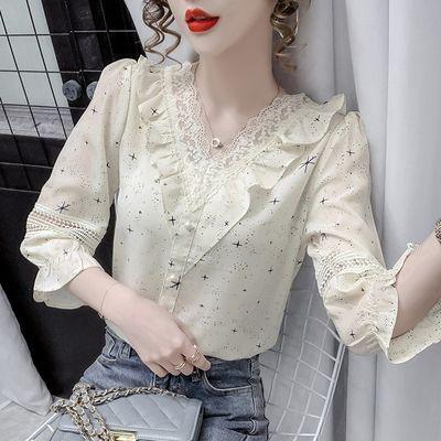 23695/2021年夏季新款洋气蕾丝拼接雪纺衬衫女气质设计感荷叶边v领上衣