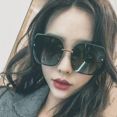 34333/新款防紫外线太阳镜女网红气质时尚显瘦开车潮流韩版街拍变色墨镜