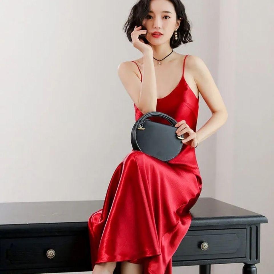 进口三醋酸缎面连衣裙年新款女吊带连衣裙
