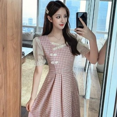 40107/中长款格子连衣裙女夏季2021新款方领泡泡袖收腰显瘦短袖连衣裙潮