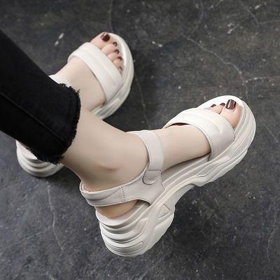 厚底沙滩凉鞋女夏真软皮2021年夏季新款百搭平底松糕坡跟鞋中跟鞋
