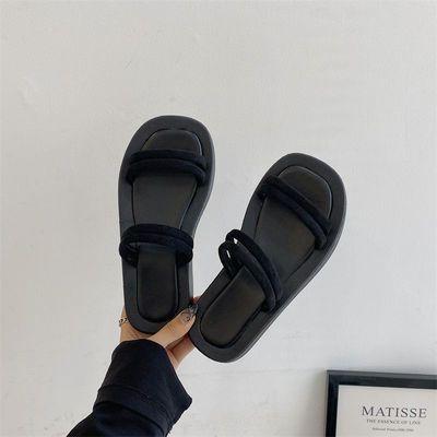 92154/踩屎感拖鞋女外穿夏2021新款网红ins外出防滑厚底两穿凉拖沙滩鞋
