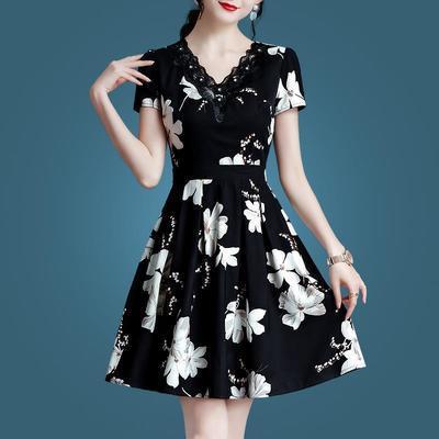 34210/新潮流时尚连衣裙女气质短袖夏款2021女装修身印花V领夏裙显瘦