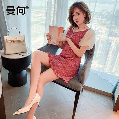 67874/曼向泡泡袖纽扣装饰收腰修身印花优雅法式连衣裙女装2021夏季新款