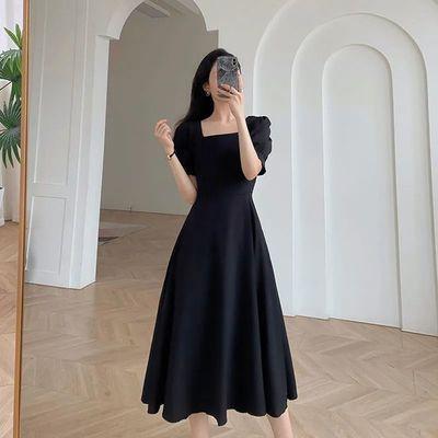 35583/黑色ins风连衣裙女2021夏季新款方领法式复古赫本风气质小黑裙