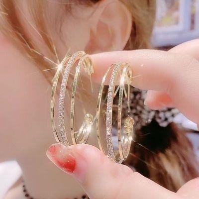 耳环高级感气质上档次新款2021年镶钻网红爆款洋气耳环女耳钉耳饰