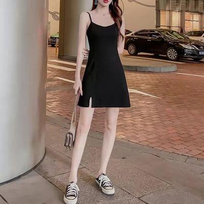 超弹性不紧勒黑色吊带女2021新款短款修身性感小黑裙小众设计感风