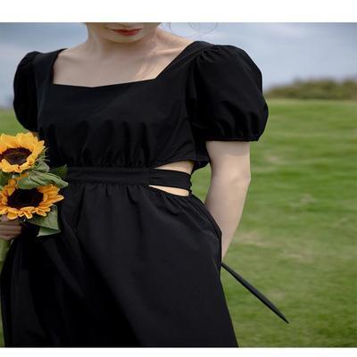 鹿向南 黑色连衣裙女夏法式2021新款赫本风休闲气质收腰中长裙子