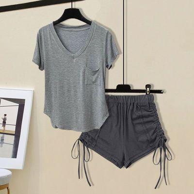 70170/休闲纯欲风辣妹套装女夏季2021薄款V领短袖T恤性感运动热裤两件套