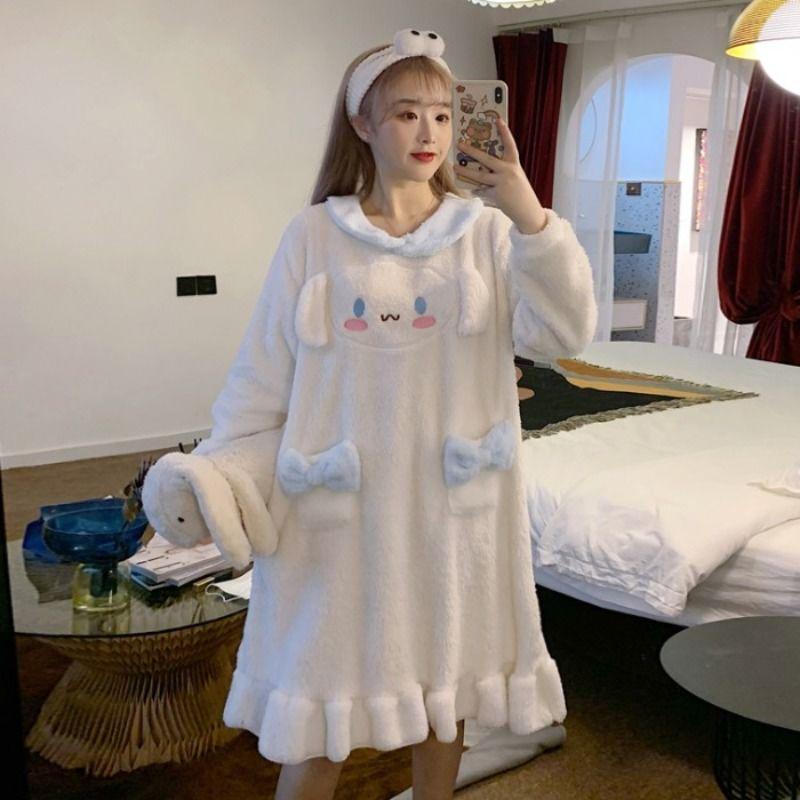 三木子快时尚女装~2021新款韩版可爱珊瑚绒中长款长袖睡裙家居服