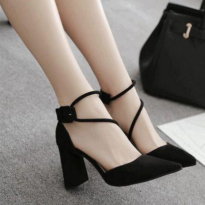 粗跟高跟鞋女2020春季新款韩版百搭女鞋黑色尖头一字带扣单鞋
