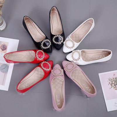 低跟单鞋女春新款浅口女士尖头百搭瓢鞋休闲时尚防滑妈妈豆豆皮鞋