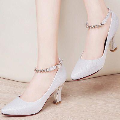 鞋子女士皮鞋春秋2018新款时尚百搭高跟气质优雅中年妇女冬天白色